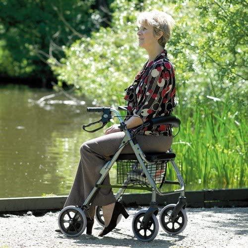 andadores, andadores mayores, andadores ancianos, bastones mayores, ancianos, movilidad ancianos, muletas, calzado ortopédico